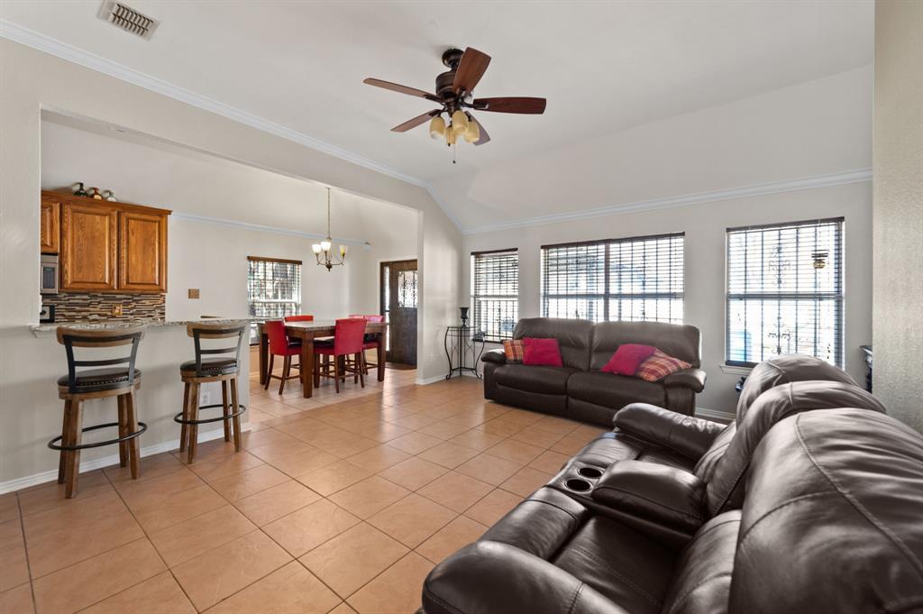 925 Bessie  Street, Fort Worth, Texas 76104 - acquisto real estate best prosper realtor susan cancemi windfarms realtor