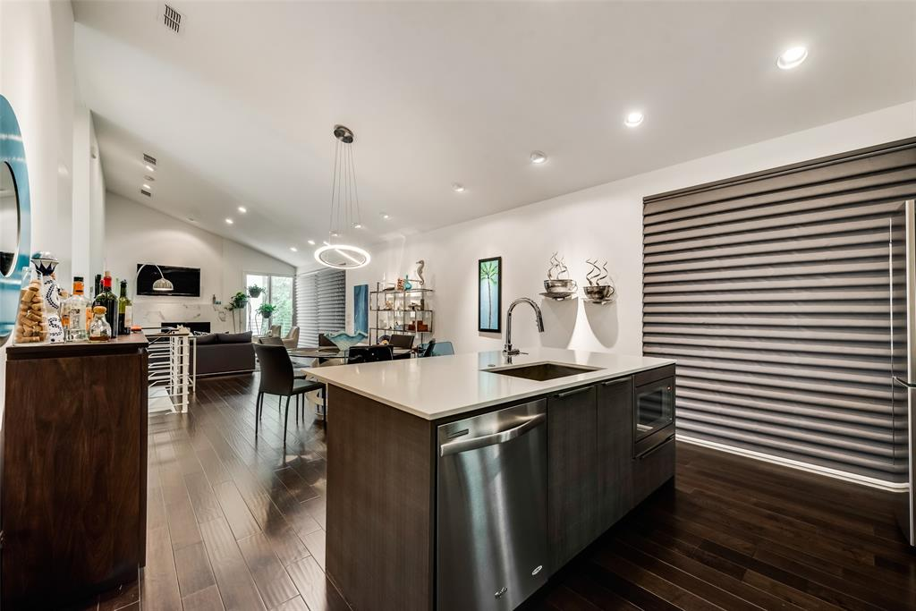 4711 Live Oak  Street, Dallas, Texas 75204 - acquisto real estate best frisco real estate broker in texas for high net worth buyers