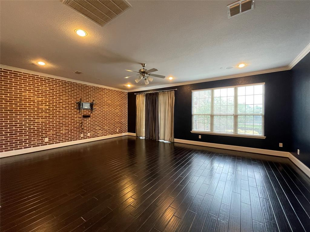 3926 Asbury  Lane, Addison, Texas 75001 - acquisto real estaet best boutique real estate firm in texas for high net worth sellers