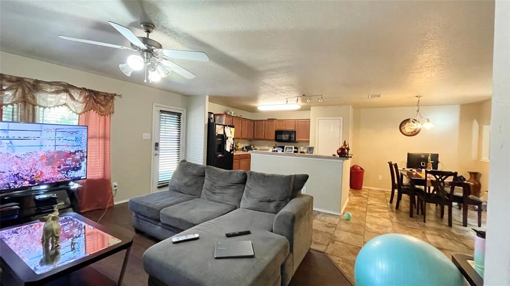 7561 Lazy Spur  Boulevard, Fort Worth, Texas 76131 - acquisto real estate best celina realtor logan lawrence best dressed realtor