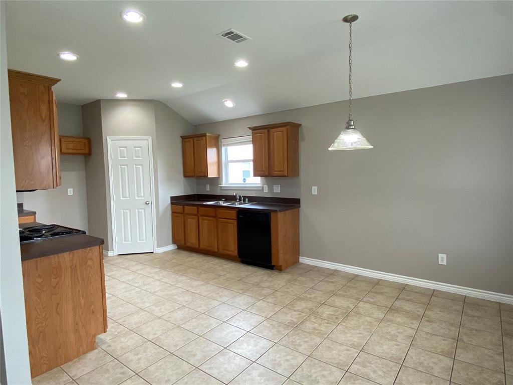 940 Rio Bravo  Drive, Fort Worth, Texas 76052 - acquisto real estate best highland park realtor amy gasperini fast real estate service