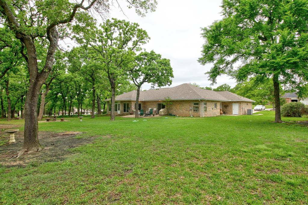 115 Kiowa  Drive, Lake Kiowa, Texas 76240 - acquisto real estate best park cities realtor kim miller best staging agent
