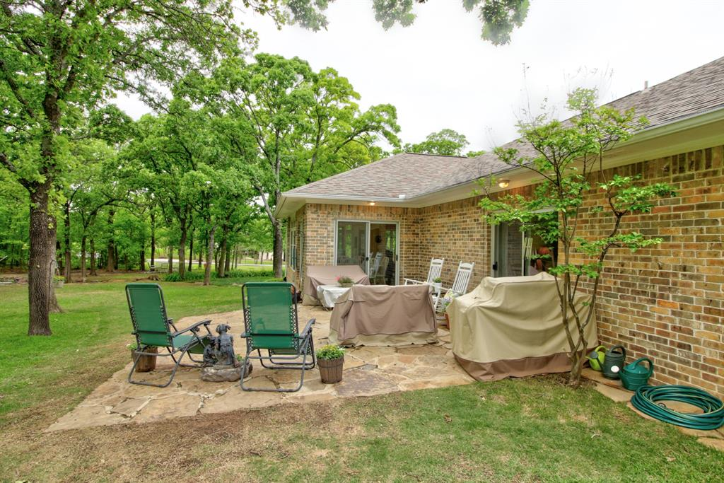 115 Kiowa  Drive, Lake Kiowa, Texas 76240 - acquisto real estate best negotiating realtor linda miller declutter realtor