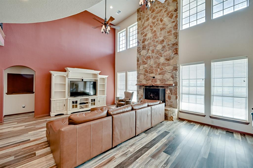 7431 Drury Cross  Road, Burleson, Texas 76028 - acquisto real estate best park cities realtor kim miller best staging agent