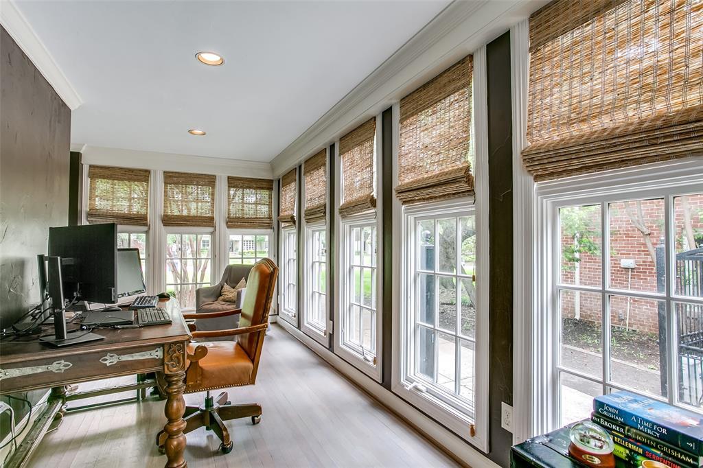 6738 Avalon  Avenue, Dallas, Texas 75214 - acquisto real estate best negotiating realtor linda miller declutter realtor