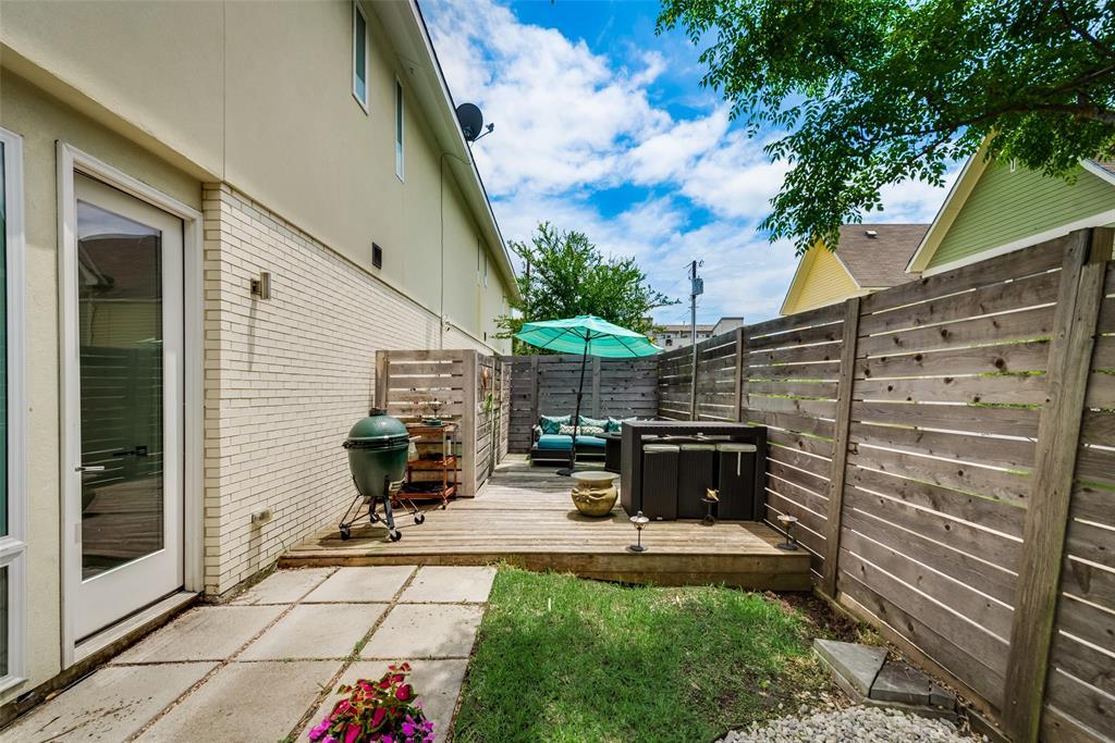 4711 Live Oak  Street, Dallas, Texas 75204 - acquisto real estate mvp award real estate logan lawrence