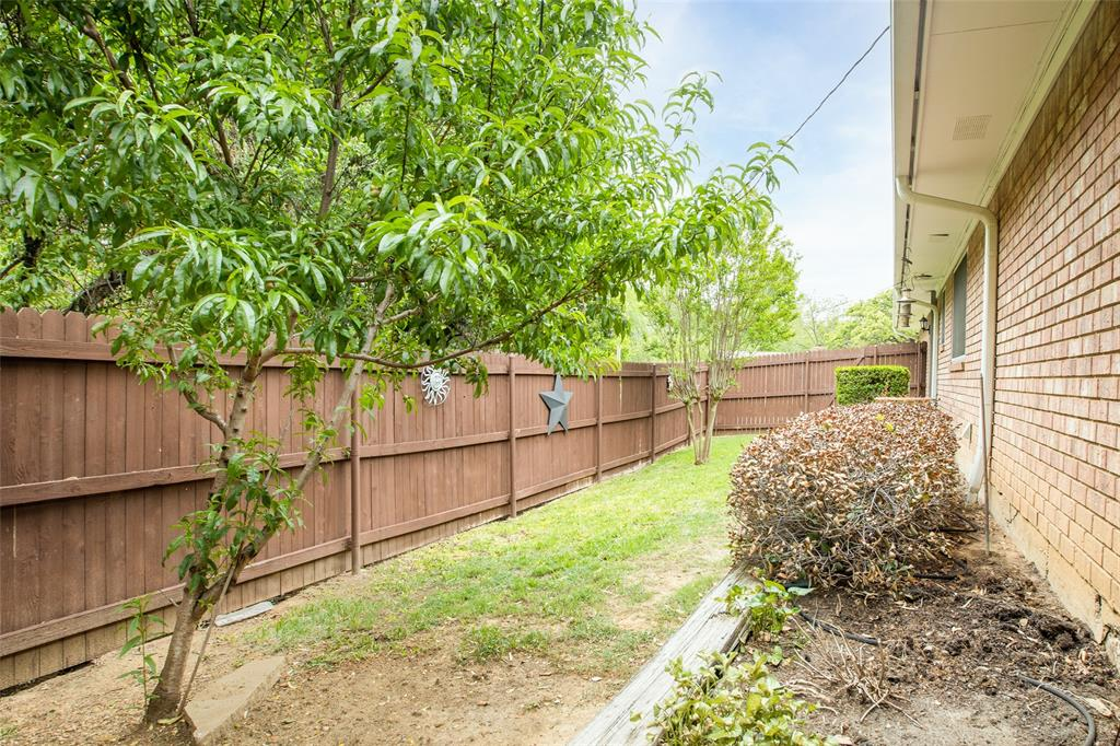 913 Circle  Lane, Bedford, Texas 76022 - acquisto real estate agent of the year mike shepherd