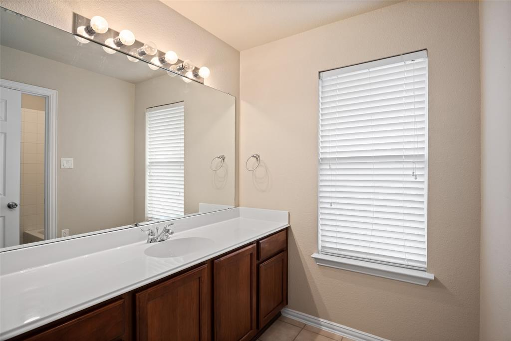 3909 Miramar  Drive, Denton, Texas 76210 - acquisto real estate best plano real estate agent mike shepherd