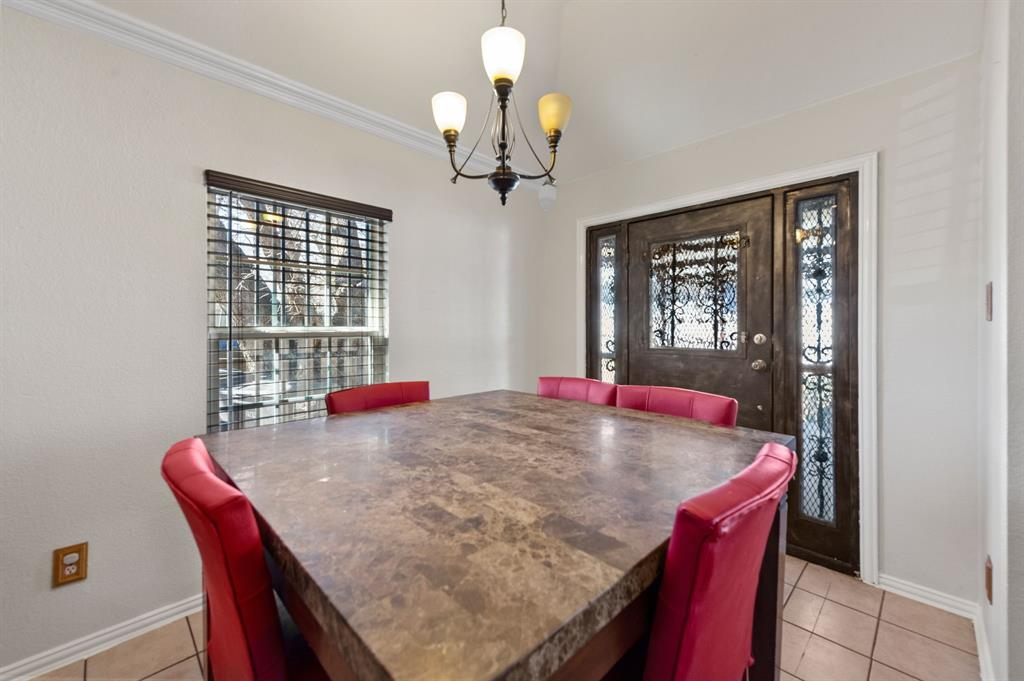 925 Bessie  Street, Fort Worth, Texas 76104 - acquisto real estate best investor home specialist mike shepherd relocation expert
