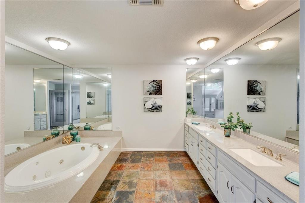 1112 Cooks  Lane, Fort Worth, Texas 76120 - acquisto real estate best realtor westlake susan cancemi kind realtor of the year