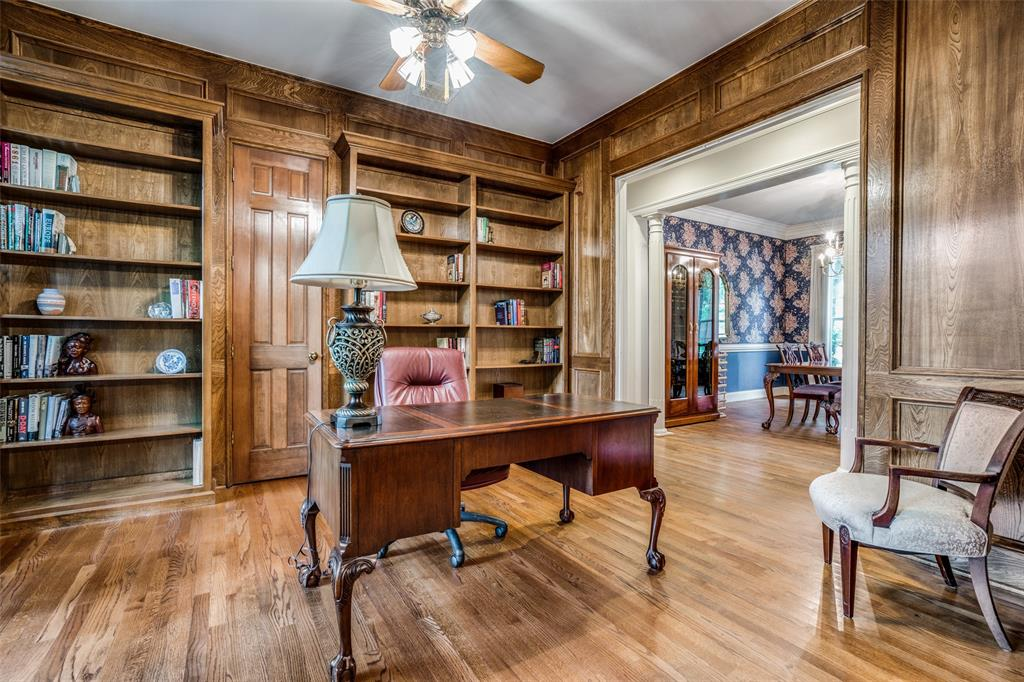2209 Creekside  Circle, Irving, Texas 75063 - acquisto real estate best flower mound realtor jody daley lake highalands agent of the year