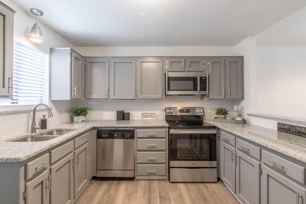 807 Windcrest  Drive, Keller, Texas 76248 - Acquisto Real Estate best plano realtor mike Shepherd home owners association expert