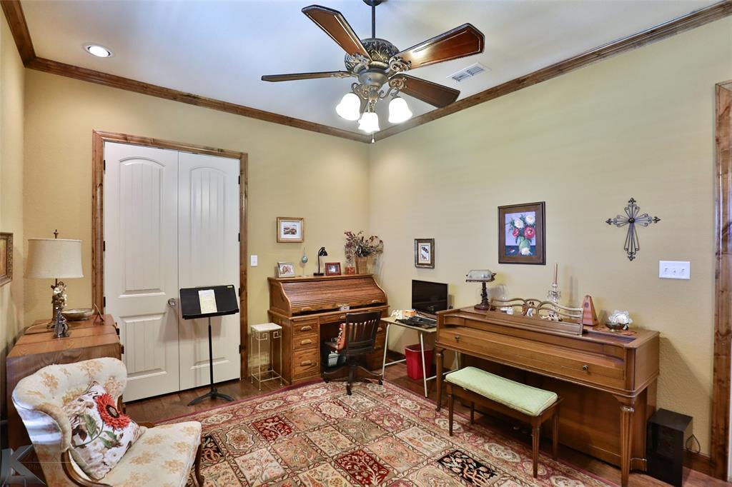 274 Edge Cliff  Court, Abilene, Texas 79606 - acquisto real estate best realtor dallas texas linda miller agent for cultural buyers