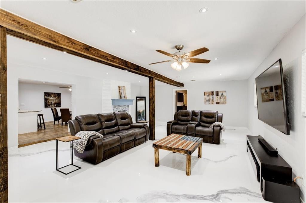 1112 Cooks  Lane, Fort Worth, Texas 76120 - acquisto real estate best celina realtor logan lawrence best dressed realtor