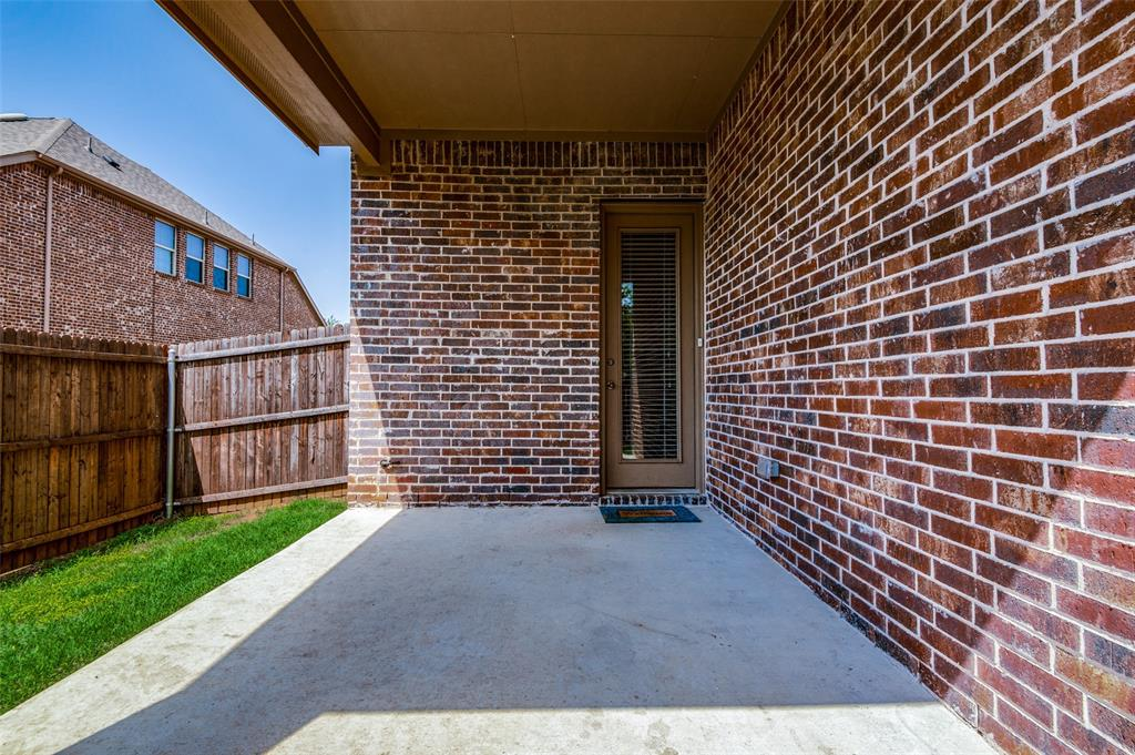 600 Rustic  Lane, Euless, Texas 76039 - acquisto real estate best frisco real estate agent amy gasperini panther creek realtor