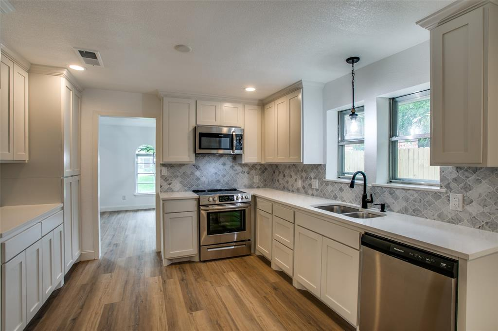 8700 Eagleview  Court, Fort Worth, Texas 76179 - acquisto real estate best frisco real estate broker in texas for high net worth buyers