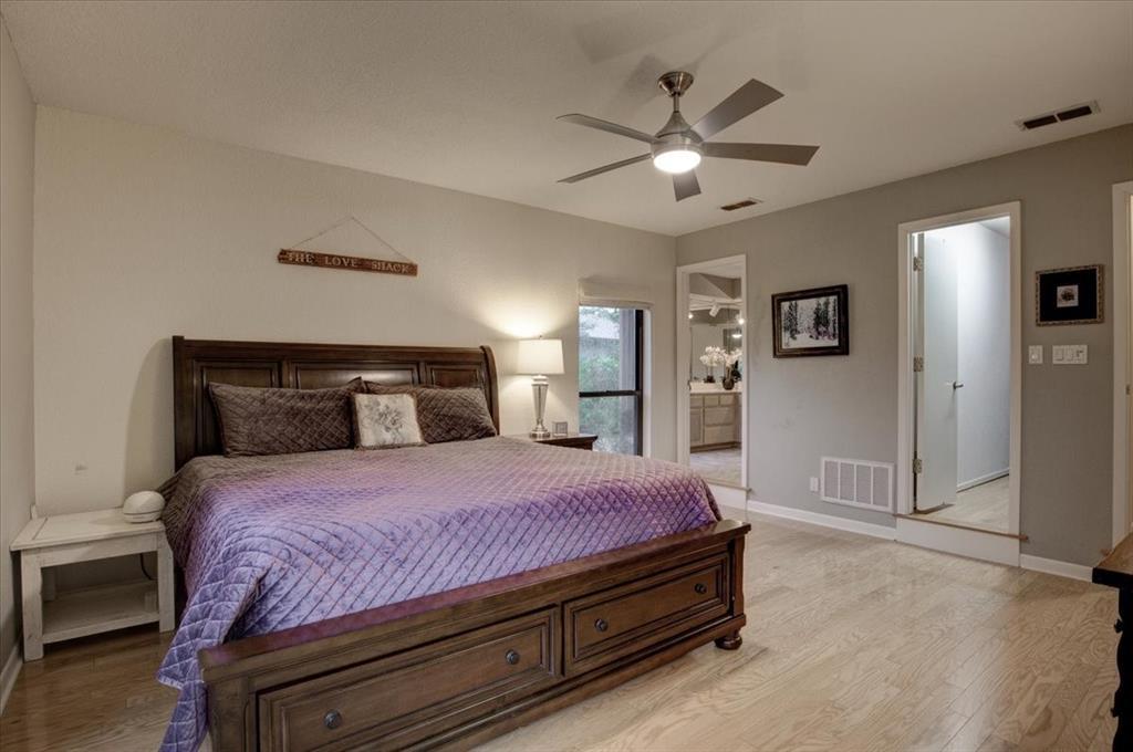 4315 Fairway  Drive, Granbury, Texas 76049 - acquisto real estate best realtor dallas texas linda miller agent for cultural buyers