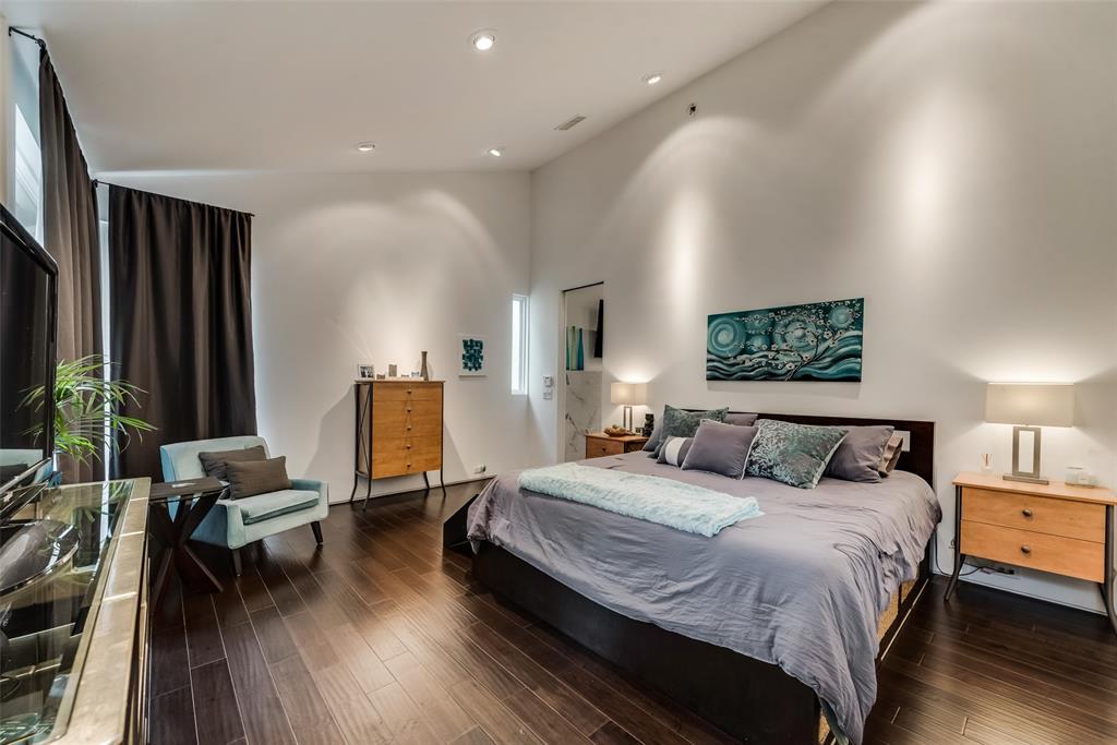 4711 Live Oak  Street, Dallas, Texas 75204 - acquisto real estate best plano real estate agent mike shepherd