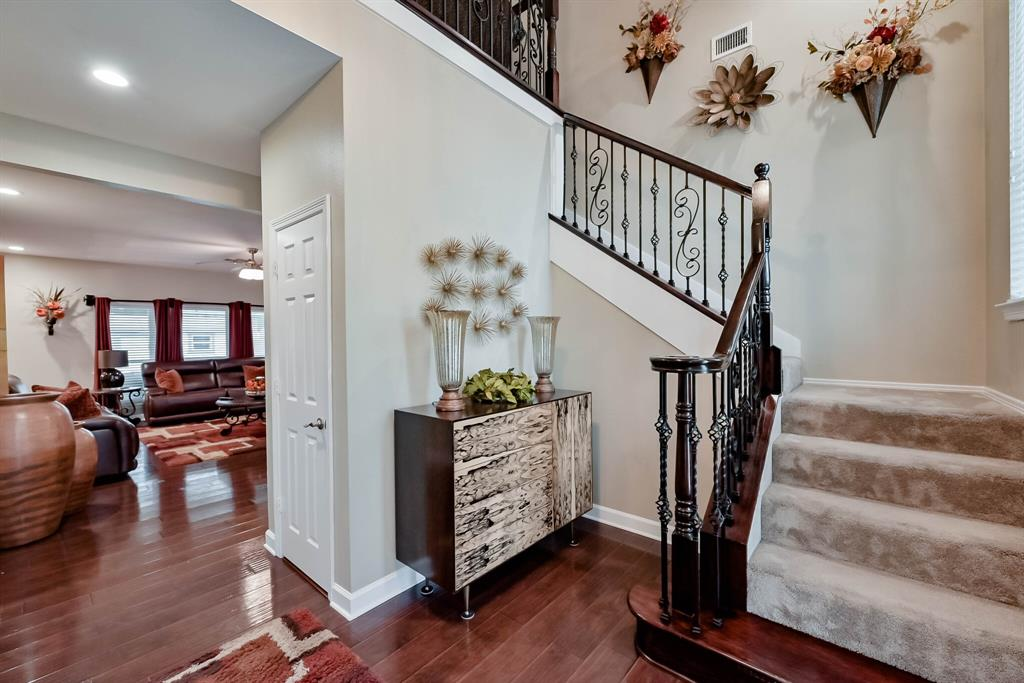 5707 Longhorn  Lane, Arlington, Texas 76017 - acquisto real estate best the colony realtor linda miller the bridges real estate