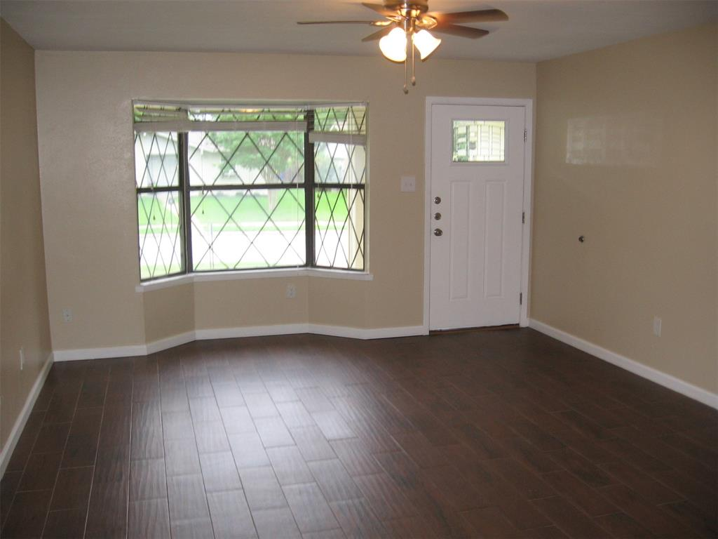 1818 Bosque  Drive, Garland, Texas 75040 - acquisto real estate best prosper realtor susan cancemi windfarms realtor