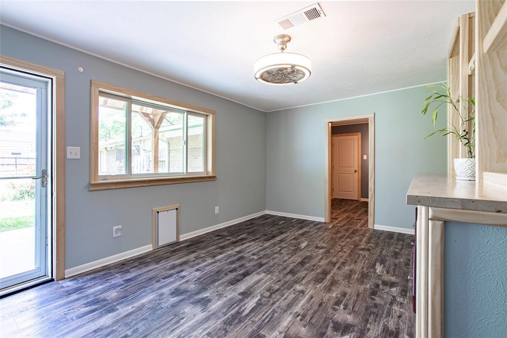 212 Huitt  Lane, Euless, Texas 76040 - acquisto real estate best highland park realtor amy gasperini fast real estate service
