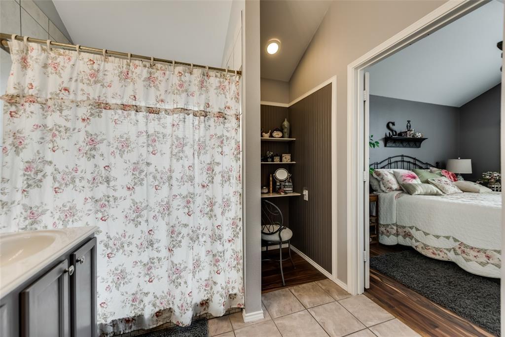 2612 Hilcroft  Avenue, Denton, Texas 76210 - acquisto real estate best photo company frisco 3d listings