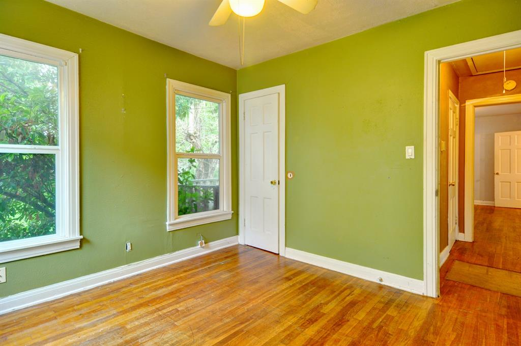 4921 Pershing  Avenue, Fort Worth, Texas 76107 - acquisto real estate best designer and realtor hannah ewing kind realtor