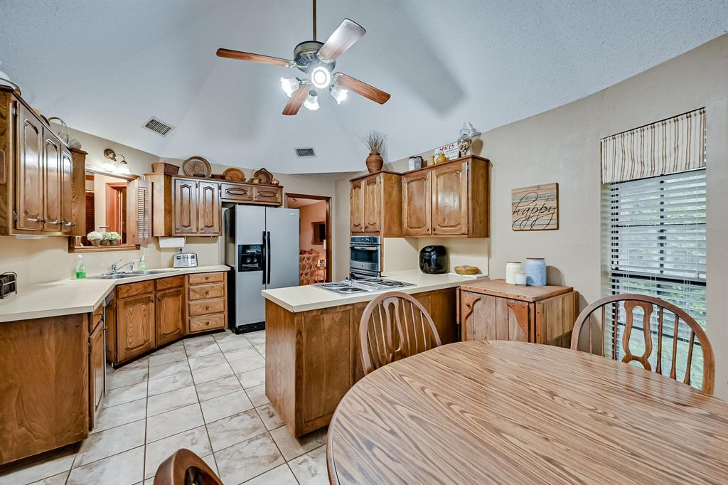1209 Clubhouse  Drive, Mansfield, Texas 76063 - acquisto real estate best celina realtor logan lawrence best dressed realtor