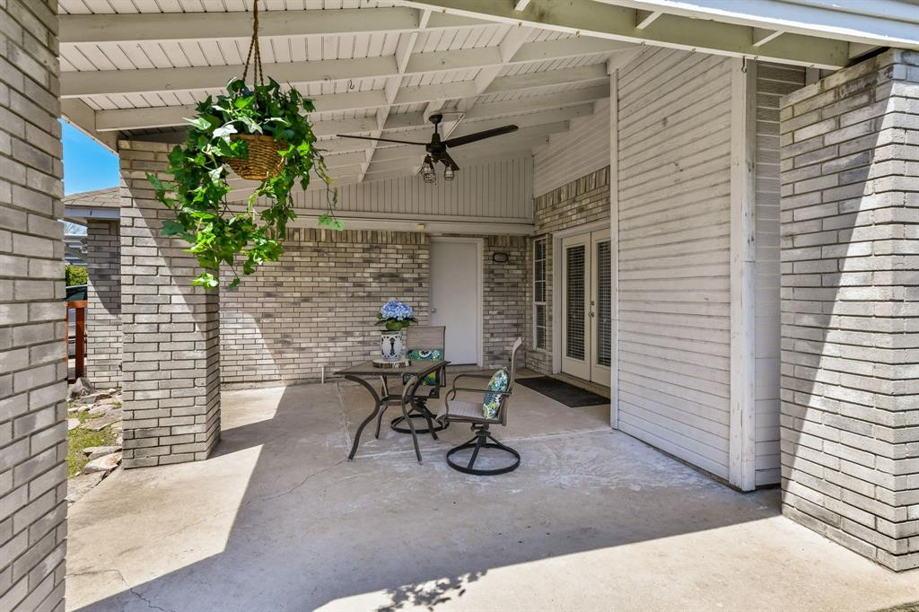 2311 Norwich  Drive, Carrollton, Texas 75006 - acquisto real estate best listing photos hannah ewing mckinney real estate expert