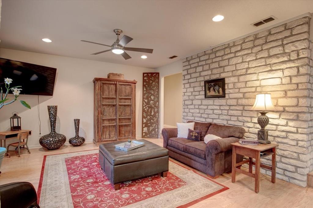 4315 Fairway  Drive, Granbury, Texas 76049 - acquisto real estate best celina realtor logan lawrence best dressed realtor