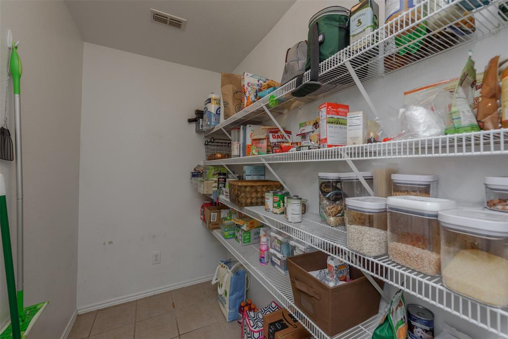2921 Desert  Drive, Denton, Texas 76210 - acquisto real estate best plano real estate agent mike shepherd