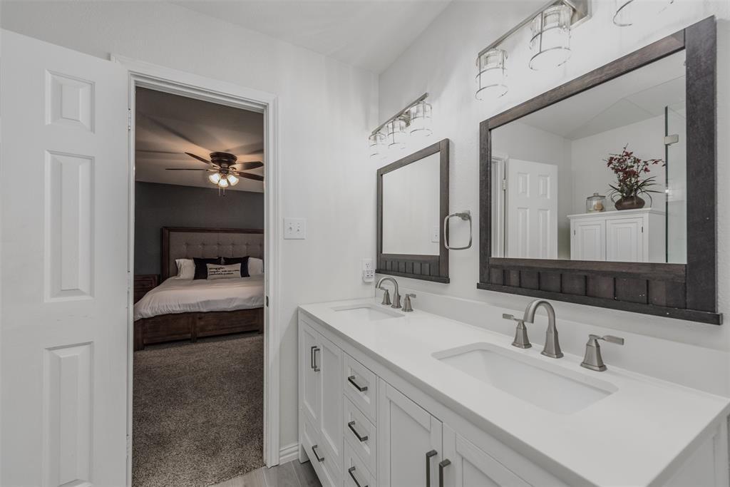 2921 Desert  Drive, Denton, Texas 76210 - acquisto real estate best realtor dfw jody daley liberty high school realtor