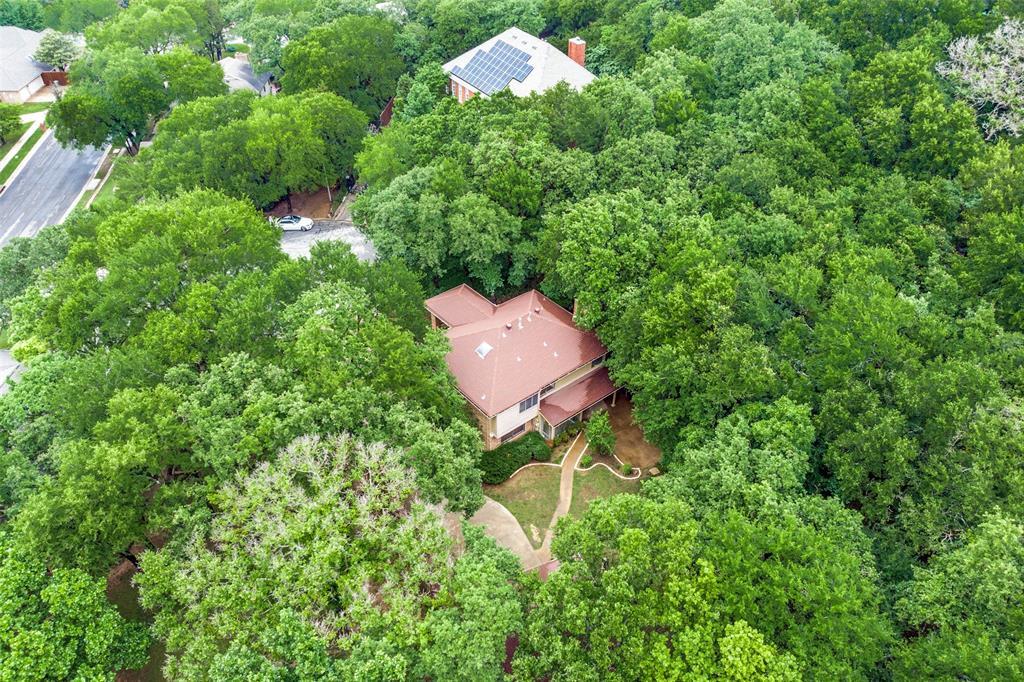 2403 Winding Hollow  Lane, Arlington, Texas 76006 - acquisto real estate best negotiating realtor linda miller declutter realtor