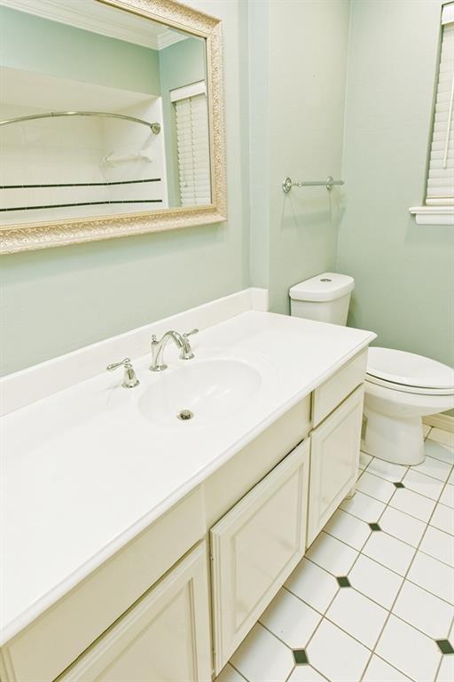 8635 Shagrock  Lane, Dallas, Texas 75238 - acquisto real estate best plano real estate agent mike shepherd