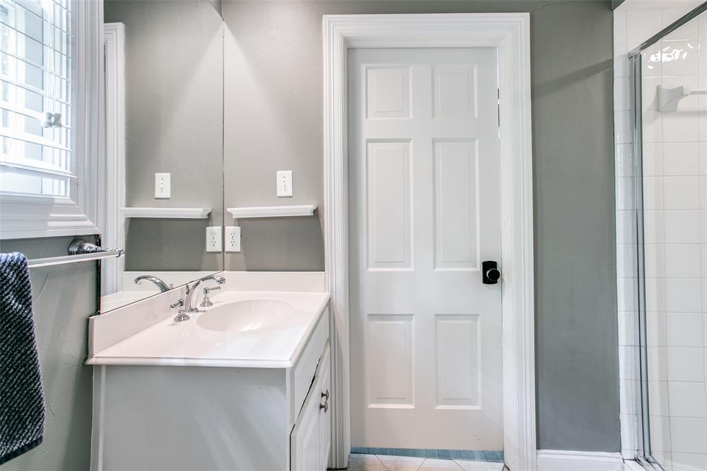 6738 Avalon  Avenue, Dallas, Texas 75214 - acquisto real estate best photo company frisco 3d listings