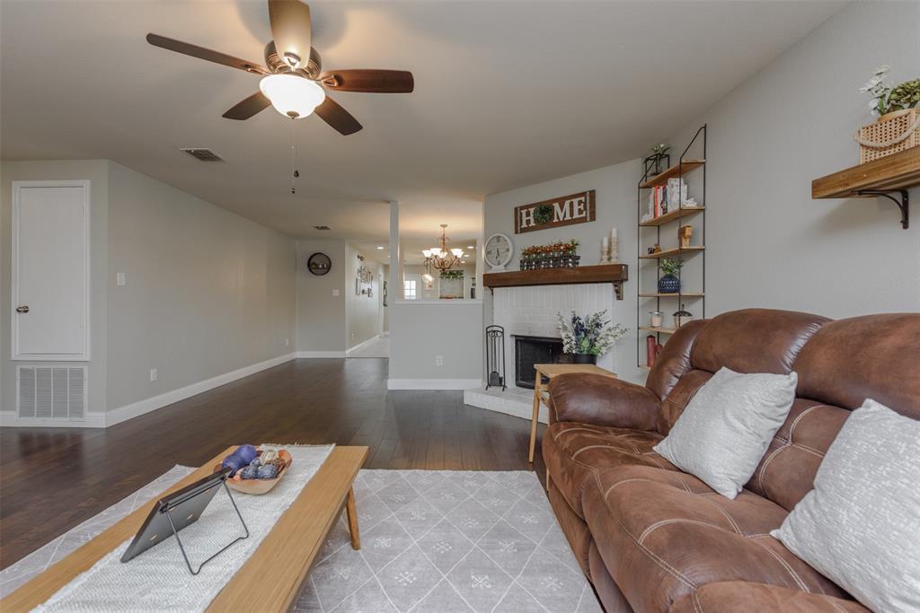 2921 Desert  Drive, Denton, Texas 76210 - acquisto real estate best highland park realtor amy gasperini fast real estate service