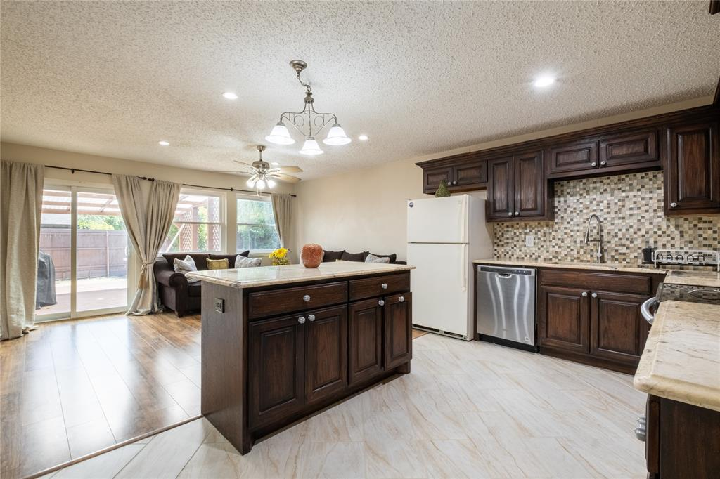 2718 Ivanridge  Lane, Garland, Texas 75044 - acquisto real estate best real estate company to work for