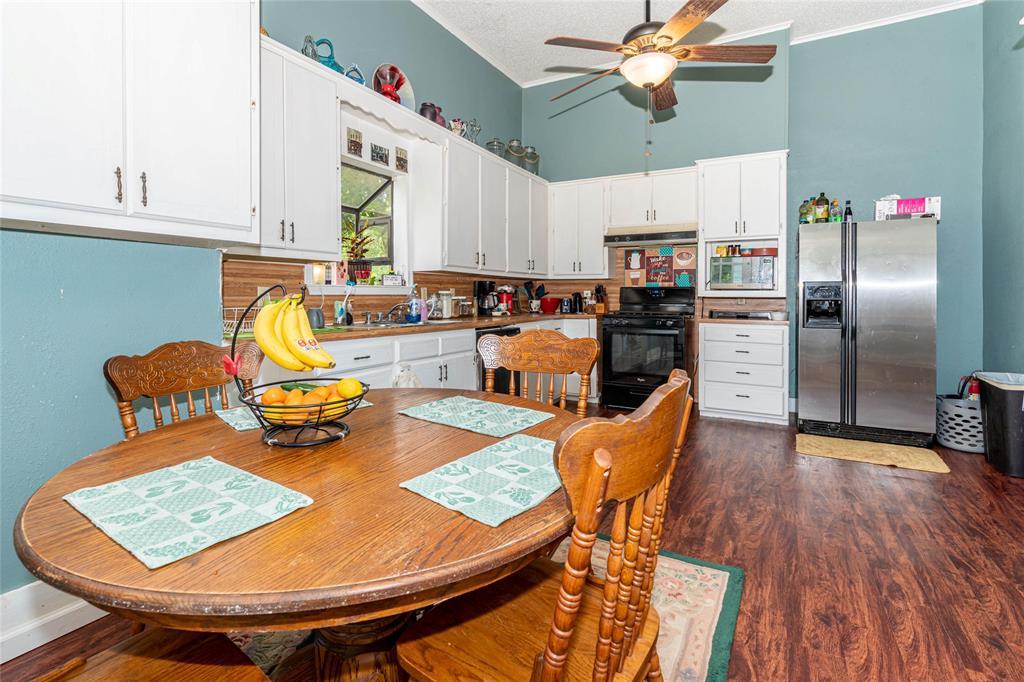 2115 WALWORTH  Greenville, Texas 75401 - acquisto real estate best highland park realtor amy gasperini fast real estate service
