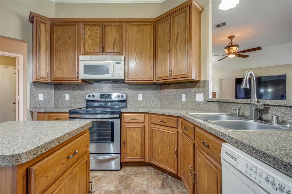 529 Kings Creek  Drive, Terrell, Texas 75161 - acquisto real estate best highland park realtor amy gasperini fast real estate service
