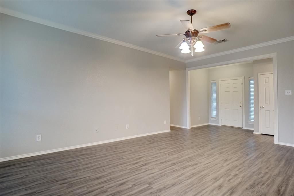 1015 Vinewood  Avenue, Burleson, Texas 76028 - acquisto real estate best prosper realtor susan cancemi windfarms realtor