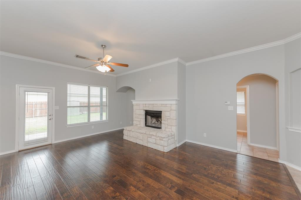 908 Glenview  Circle, Aubrey, Texas 76227 - acquisto real estate best celina realtor logan lawrence best dressed realtor