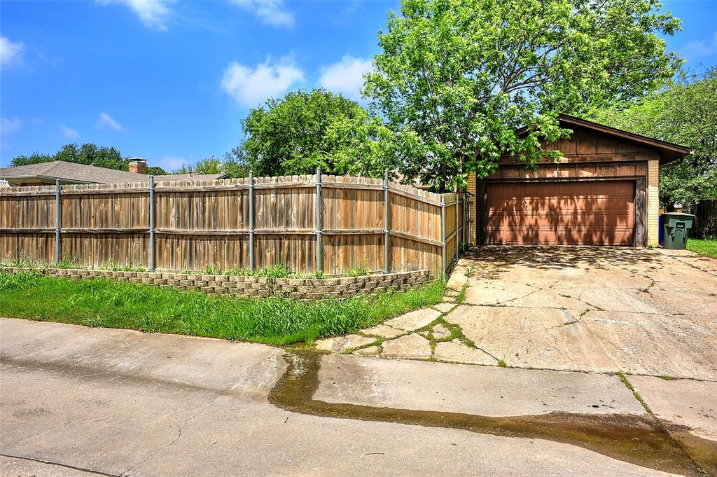 1713 Ridgeway  Drive, Sherman, Texas 75092 - acquisto real estate best looking realtor in america shana acquisto