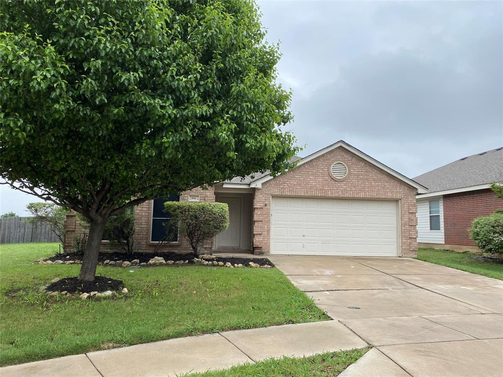 940 Rio Bravo  Drive, Fort Worth, Texas 76052 - Acquisto Real Estate best plano realtor mike Shepherd home owners association expert