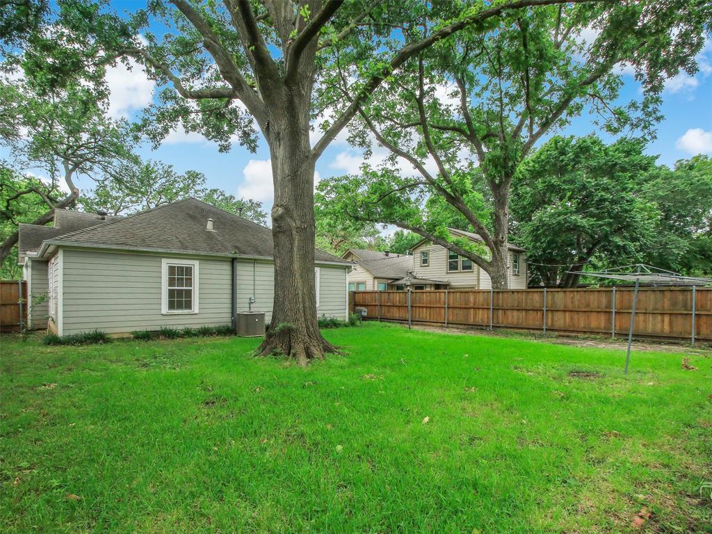 1009 Avenue F  Avenue, Garland, Texas 75040 - acquisto real estate best photo company frisco 3d listings