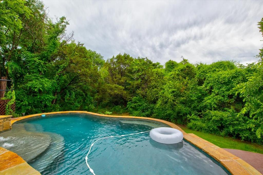 4315 Fairway  Drive, Granbury, Texas 76049 - acquisto real estate agent of the year mike shepherd