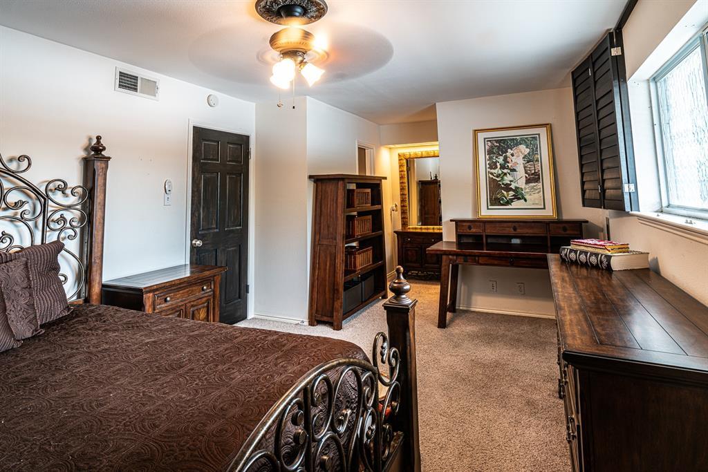 10209 Regal Oaks  Drive, Dallas, Texas 75230 - acquisto real estate best new home sales realtor linda miller executor real estate