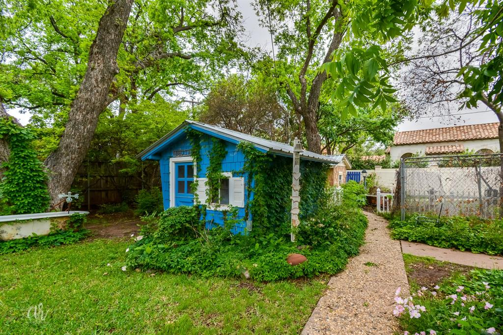 1102 Hollis  Drive, Abilene, Texas 79605 - acquisto real estate best realtor foreclosure real estate mike shepeherd walnut grove realtor