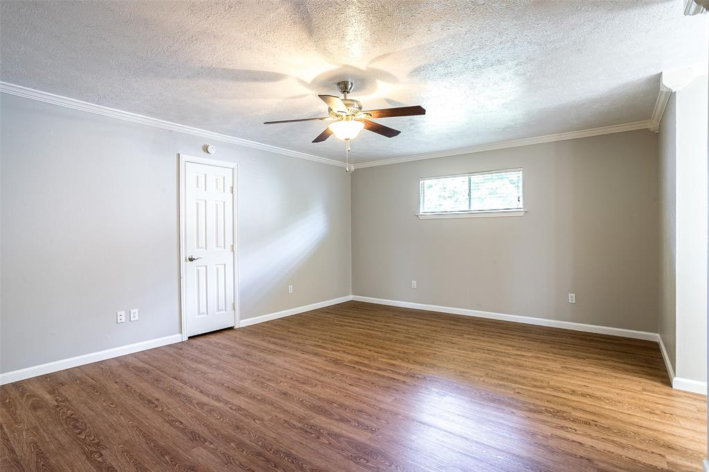 811 Lake Highlands  Drive, Allen, Texas 75002 - acquisto real estate best realtor foreclosure real estate mike shepeherd walnut grove realtor