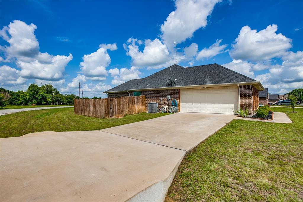 201 Palmer View  Drive, Palmer, Texas 75152 - acquisto real estate best realtor dfw jody daley liberty high school realtor