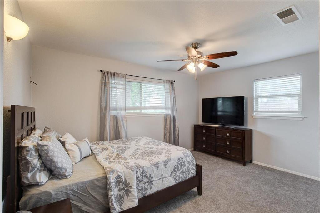 1112 Cooks  Lane, Fort Worth, Texas 76120 - acquisto real estate best new home sales realtor linda miller executor real estate